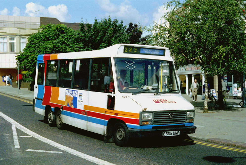 Luton_and_District_E509UNE.JPG