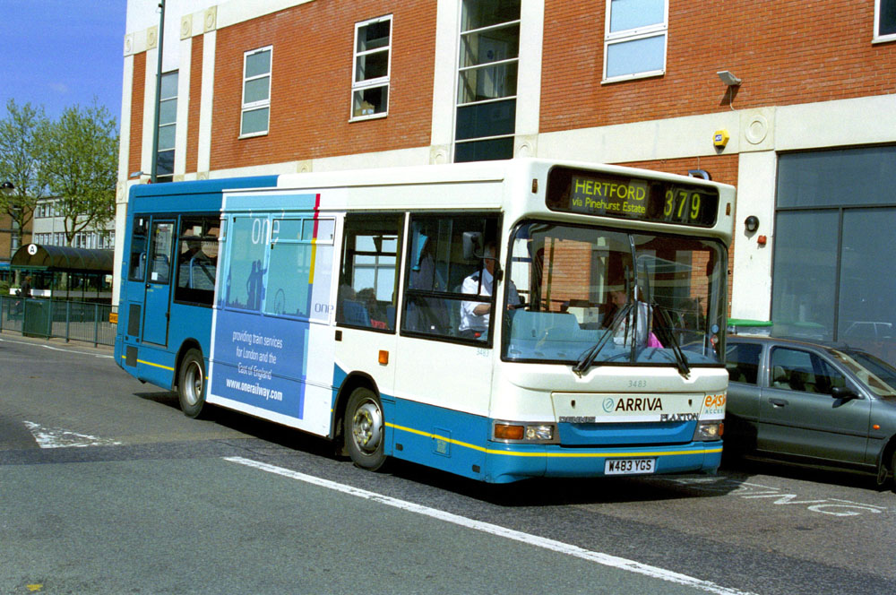 Arriva_East_Herts_and_Essex_W483YGS.JPG