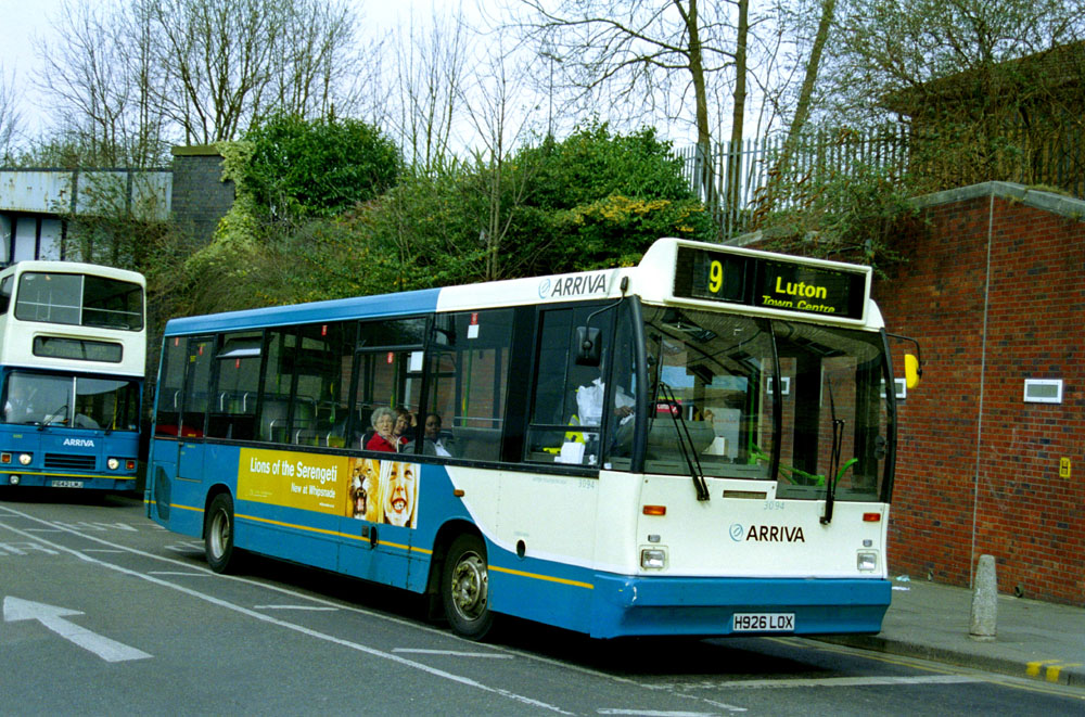 Arriva_The_Shires_H926LOX.JPG
