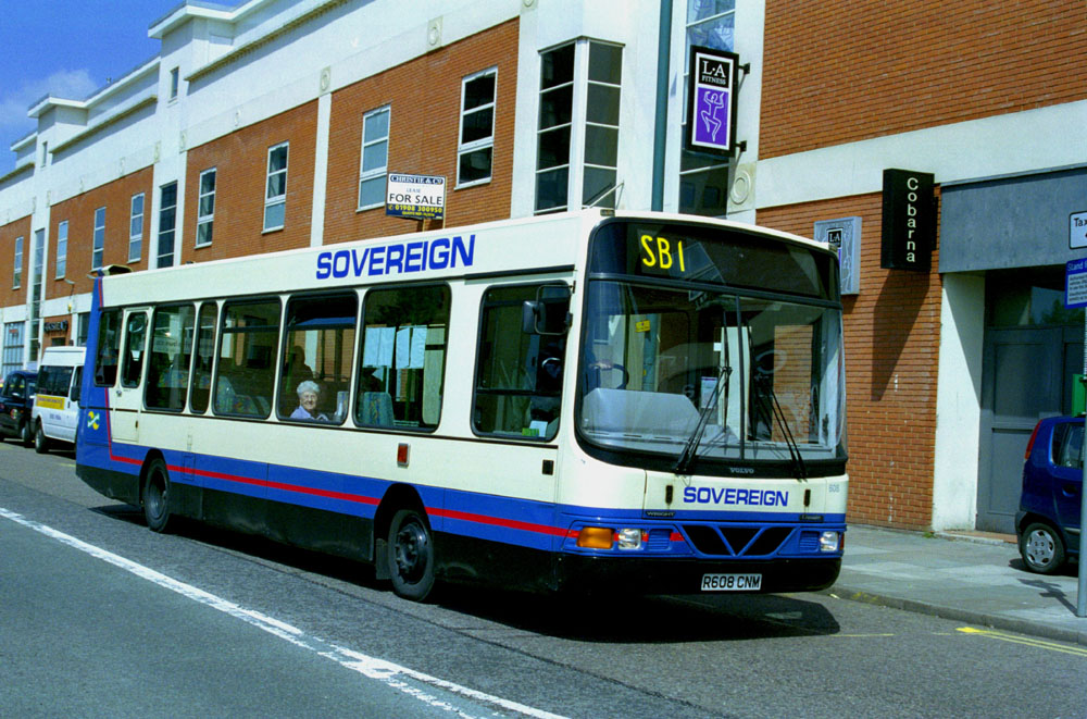 Arriva_The_Shires_R608CNM.JPG