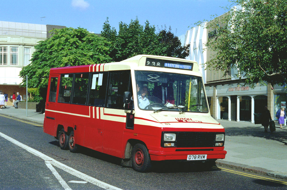 Luton_and_District_D78RVM.JPG