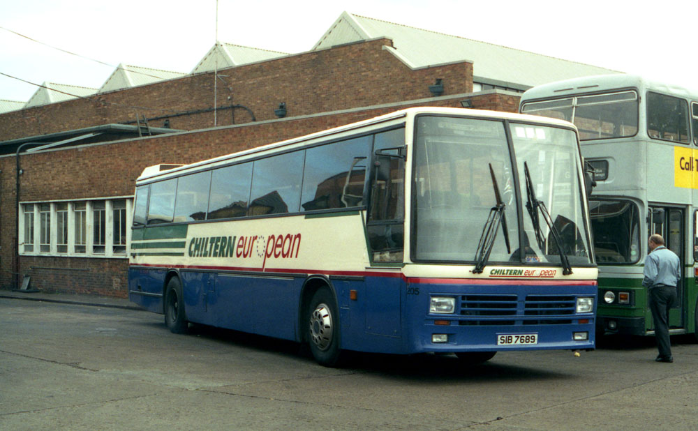 Luton_and_District_SIB7689_C251SPC.JPG