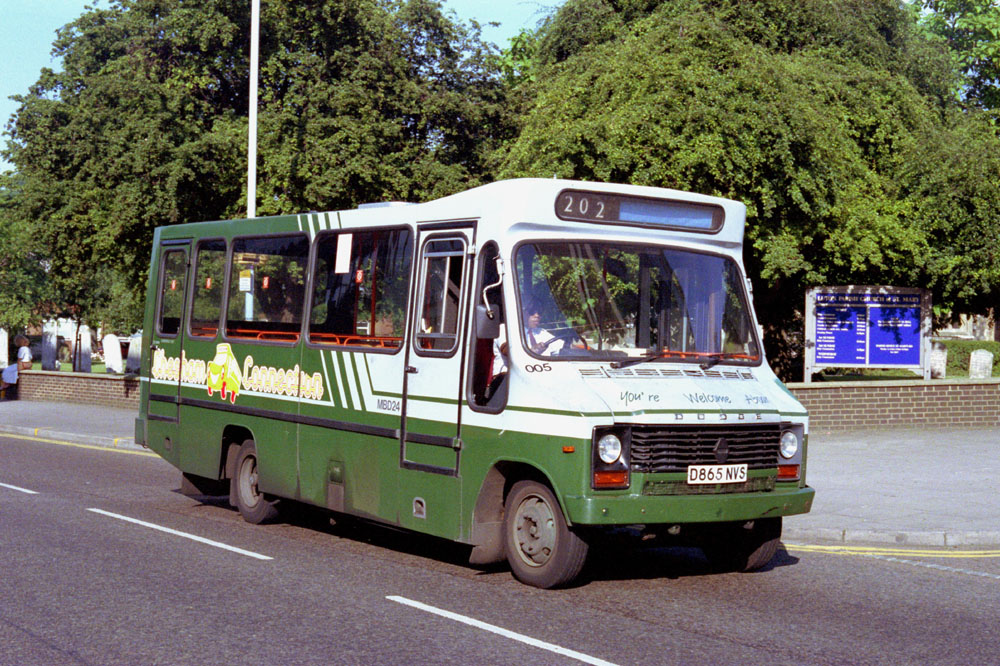 Luton_and_District_D865NVS.JPG