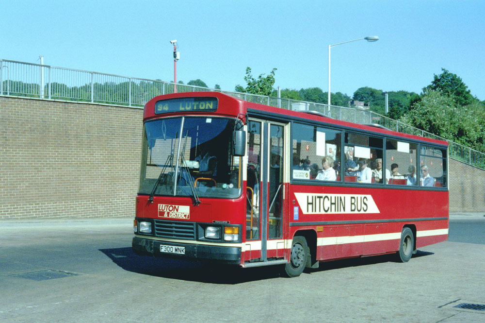 Luton_and_District_F300MNK.JPG