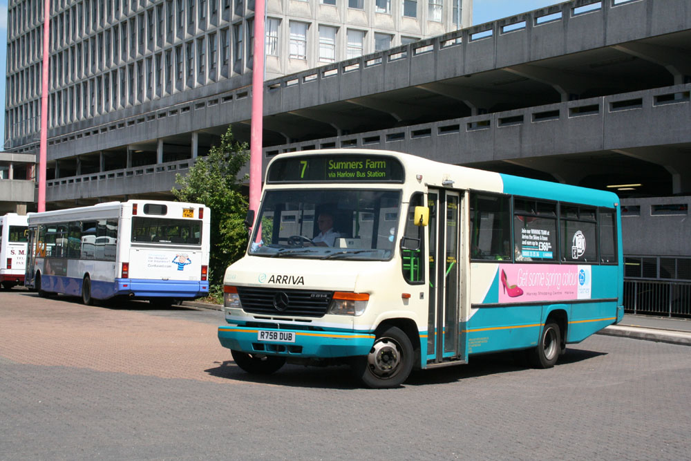 Arriva_East_Herts_and_Essex_R758DUB.JPG