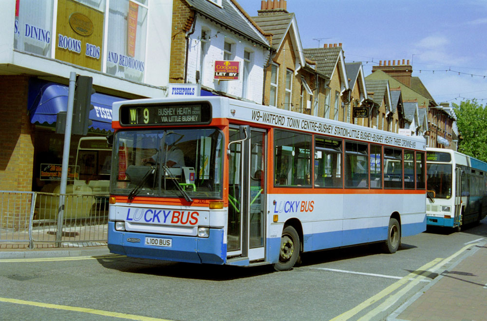 Arriva_The_Shires_L100BUS.JPG