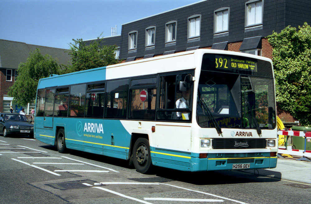 Arriva_East_Herts_and_Essex_H256GEV.JPG