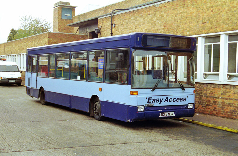 Arriva_East_Herts_and_Essex_R312NGM.JPG