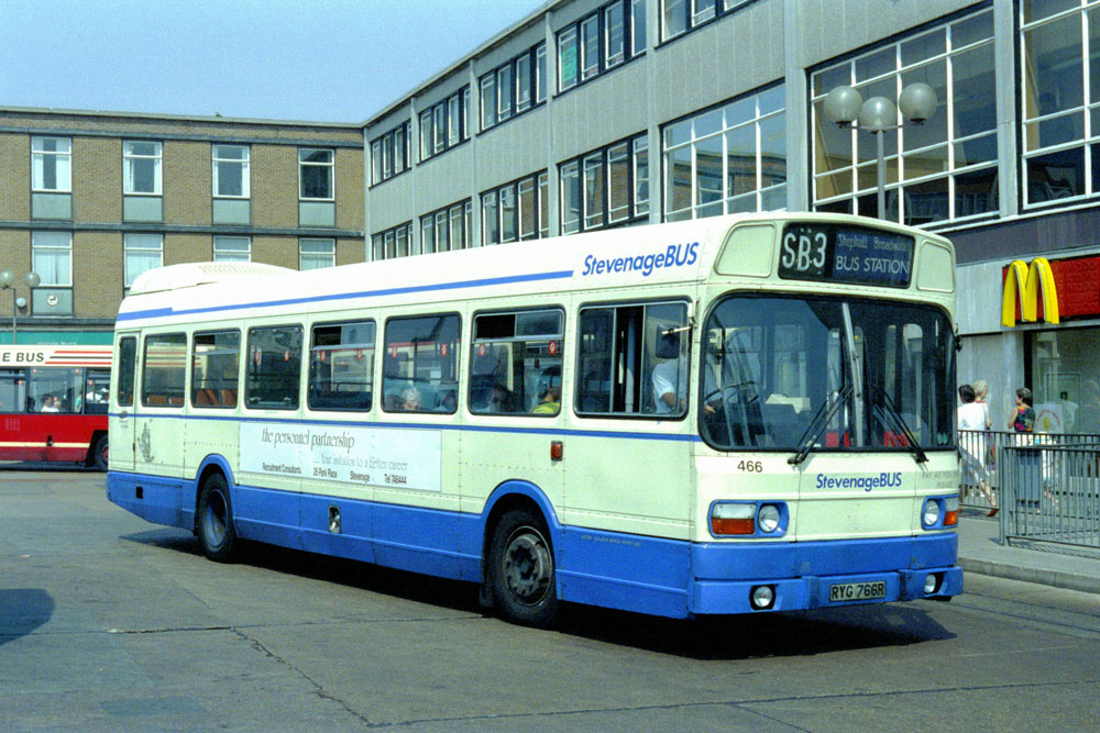 Luton_and_District_RYG766R.JPG