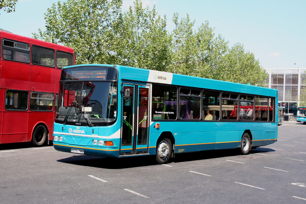 Arriva_The_Shires_R370TWR.JPG