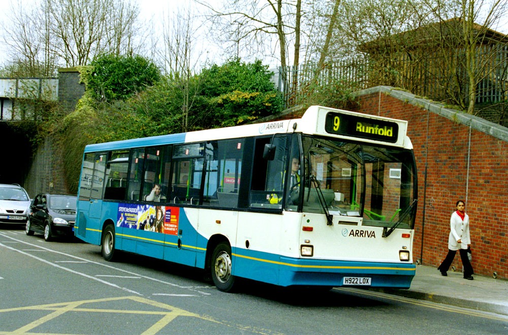 Arriva_The_Shires_H922LOX.JPG