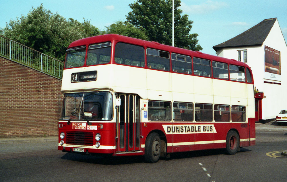 Luton_and_District_RTH917S.JPG