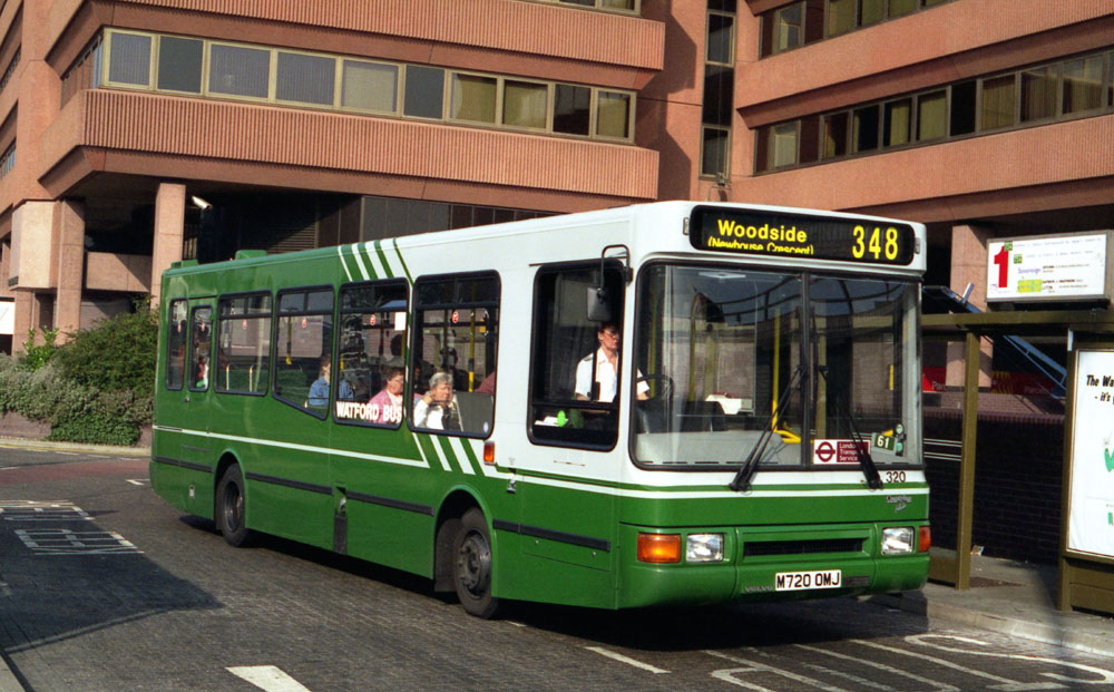 Luton_and_District_M720OMJ.JPG