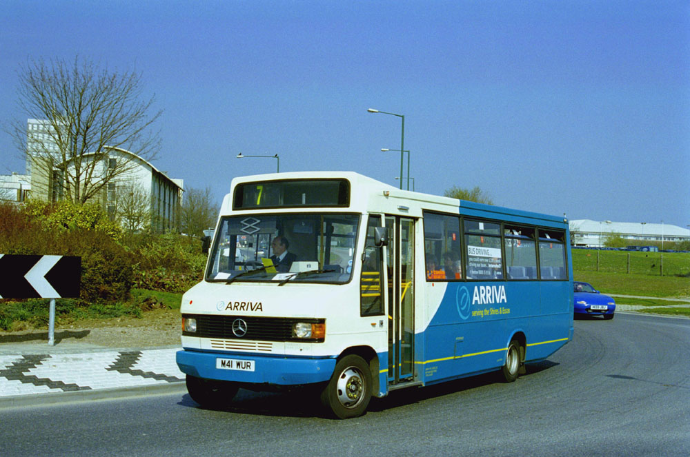 Arriva_East_Herts_and_Essex_M41WUR.JPG