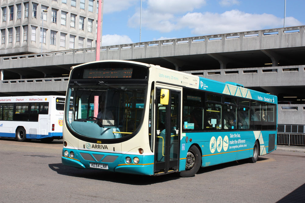 Arriva_East_Herts_and_Essex_KE54LNR.JPG