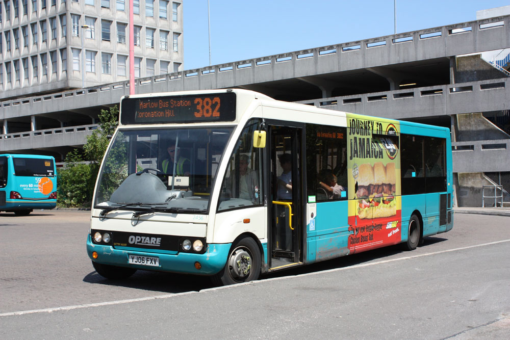 Arriva_East_Herts_and_Essex_YJ06FXV.JPG