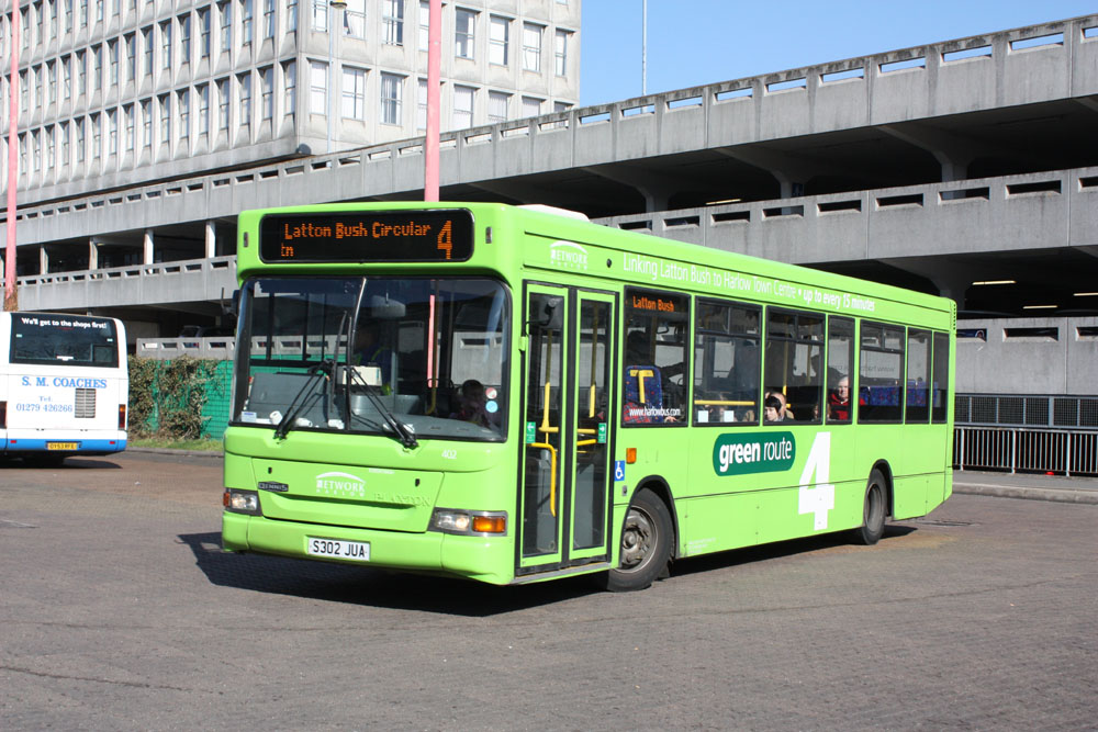 Arriva_East_Herts_and_Essex_S302JUA.JPG