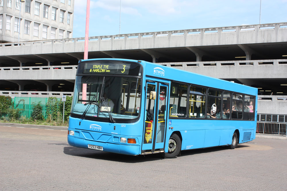 Arriva_East_Herts_and_Essex_V253HBH_2.JPG