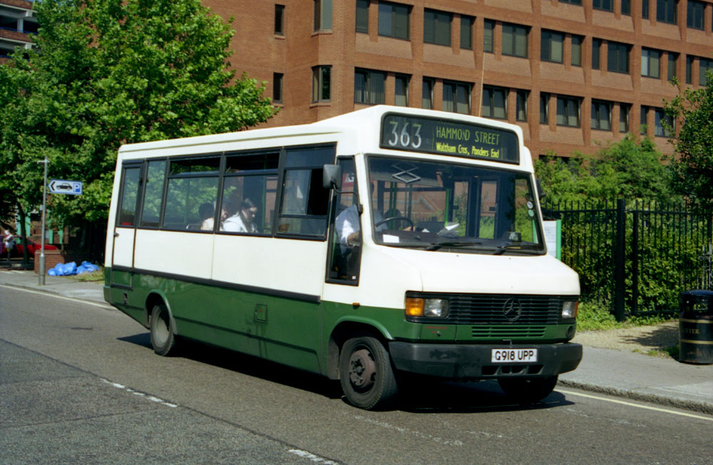Arriva_East_Herts_and_Essex_G918UPP.JPG