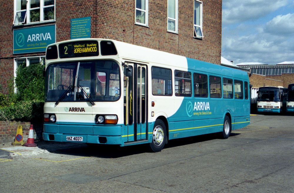 Arriva_The_Shires_IAZ4037_VRP532S.JPG