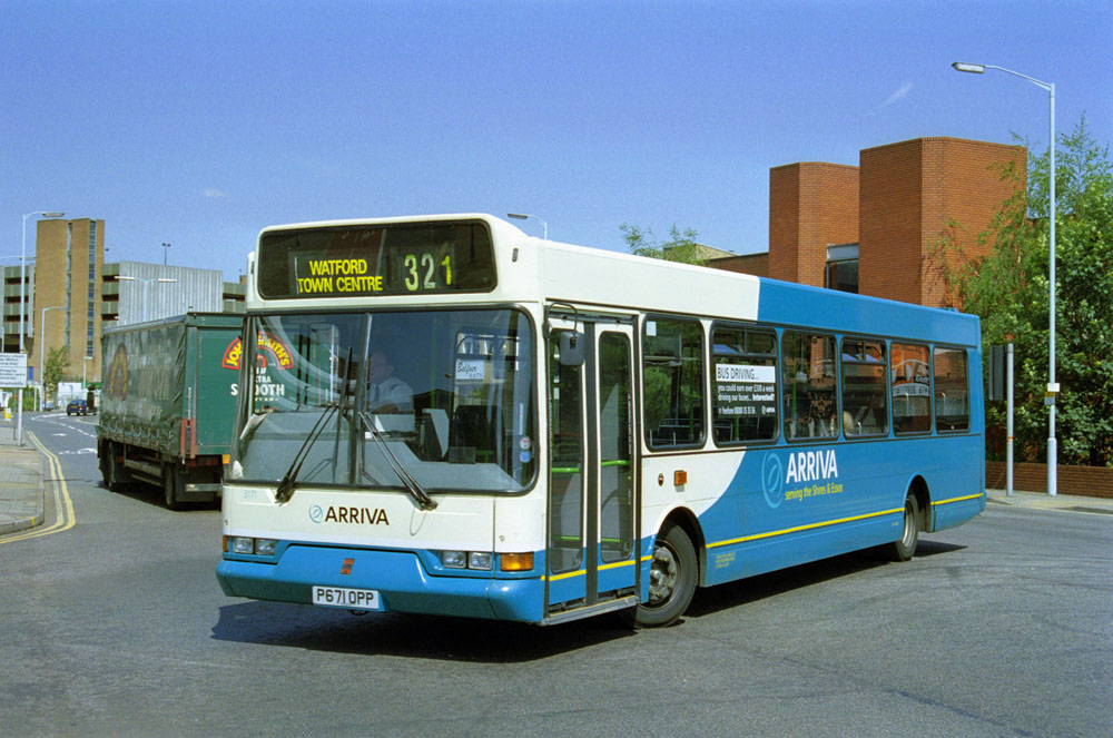 Arriva_The_Shires_P671OPP.JPG
