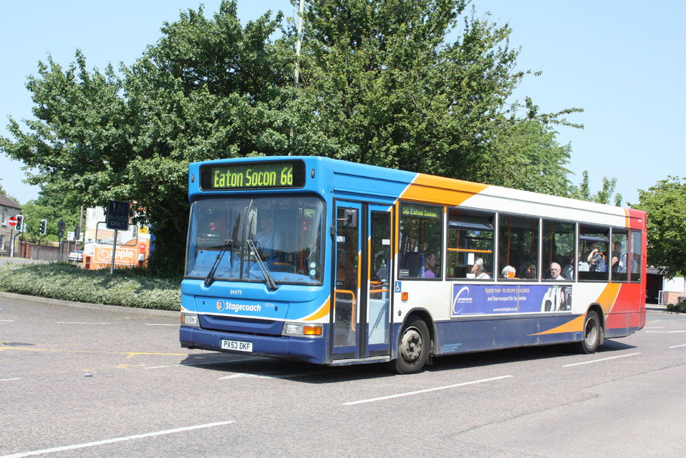 Stagecoach_in_the_Fens_PX53DKF.JPG