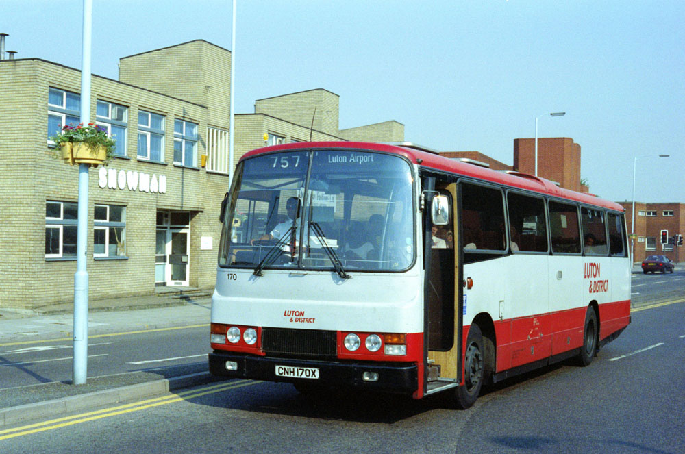 Luton_and_District_CNH170X.JPG