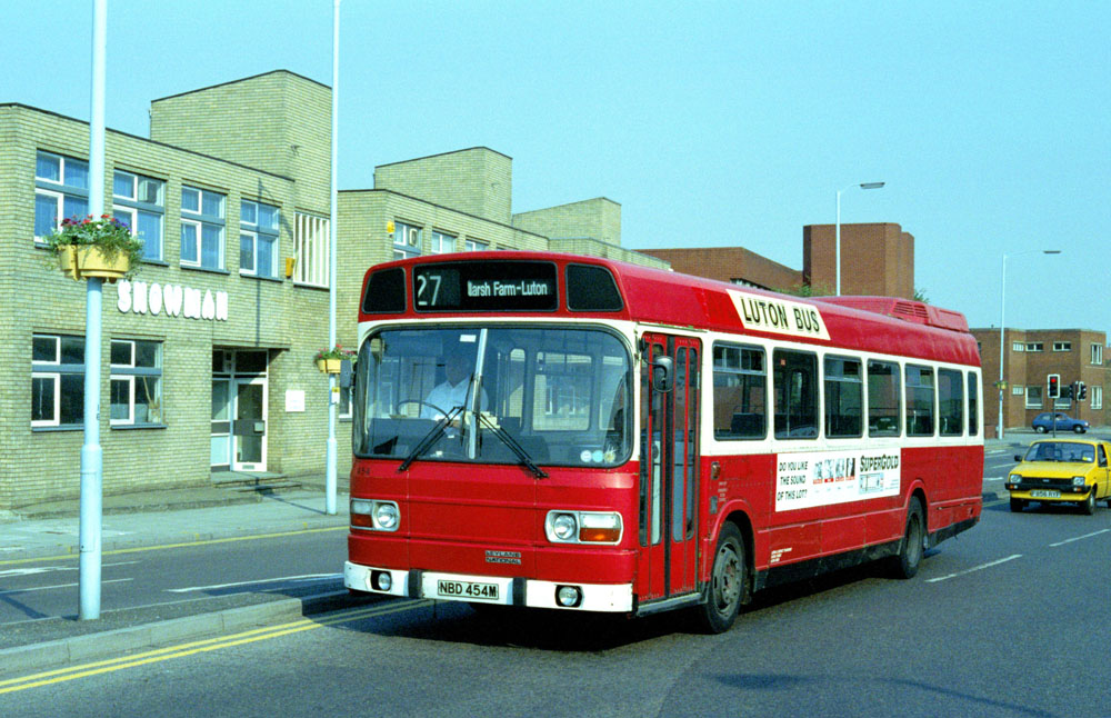 Luton_and_District_NBD454M.JPG
